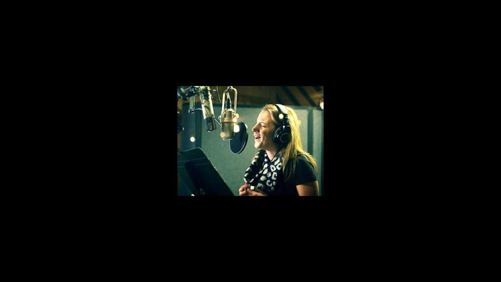 Video Still - Beautiful - Jessie Mueller - square - 4/14