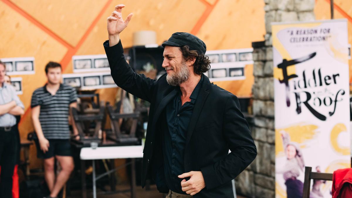Fiddler on the Roof Presser - Yehezkel Lazarov - 2018 - EMK